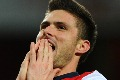 Giroud reduces the arrears