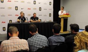 Konferensi pers jelang final lawan Man Utd