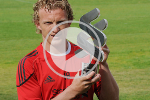 Dirk Kuyt wins the Standard Chartered Player of the Month award