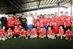 Robbie Fowler and Steve McManaman teach at Standard Chartered Soccer Clinic in Malaysia.