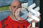 Reina collects the Standard Chartered Player of the Month award