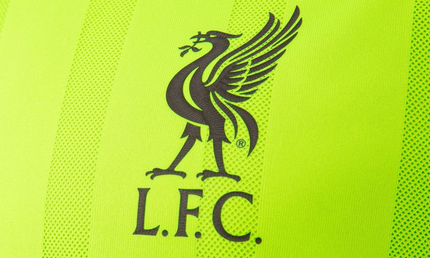 Oficial: Nueva camiseta alternativa New Balance del Liverpool