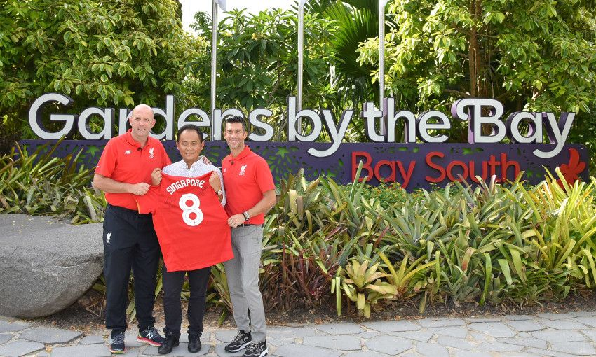 Lfc Legends Visit Singapores Gardens By The Bay Liverpool Fc